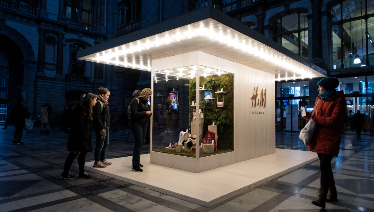 H&M Vending Machine